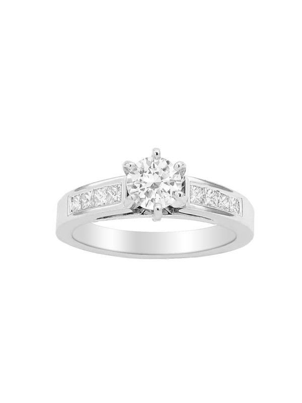 Round & Princess Cut Diamond Engagement Ring